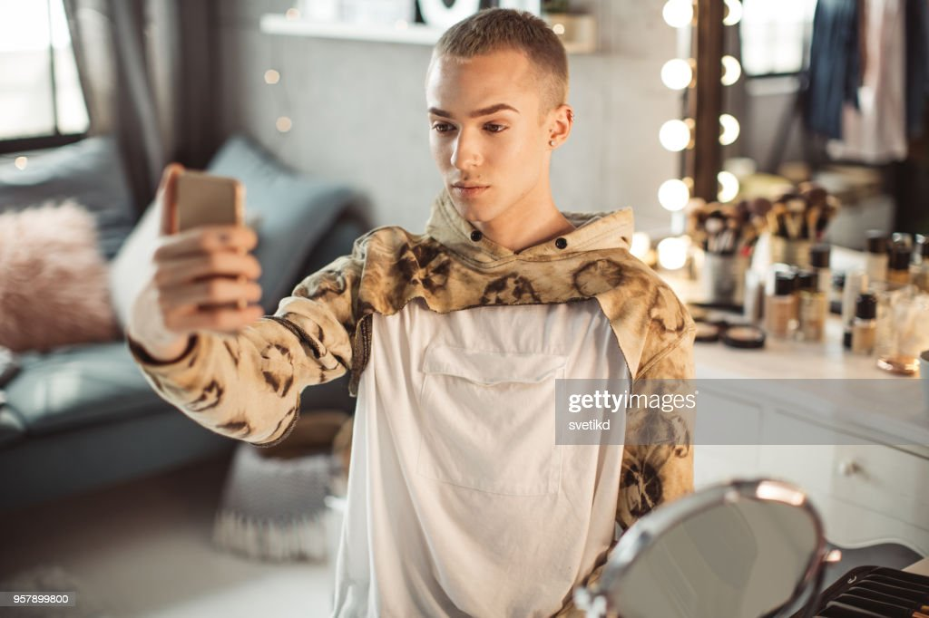 Young male makeup artist : Stock Photo