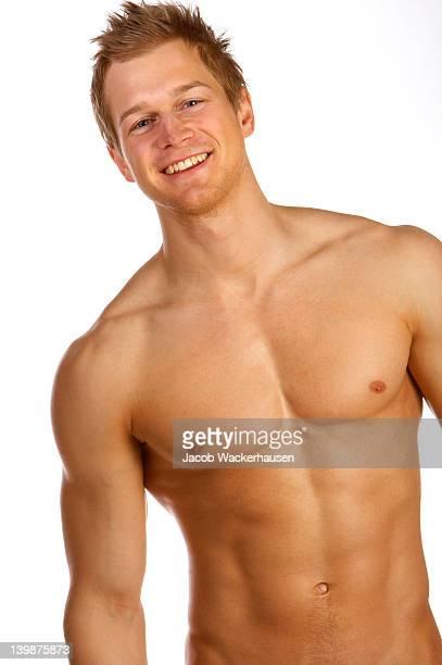 Jeune mâle modèle de sous-vêtements.