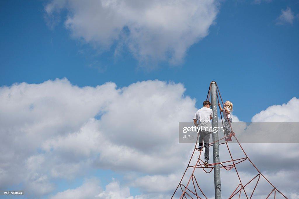 Funny Clouds Klettergerüst : Präferenz klettergerüst mit rutsche hl kyushucon