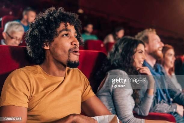 jovem no cinema - festival de cinema - fotografias e filmes do acervo