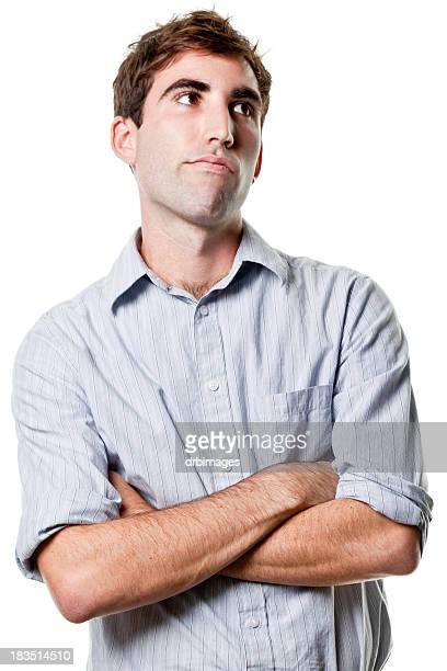 若い男性ファッションで腕を交差する