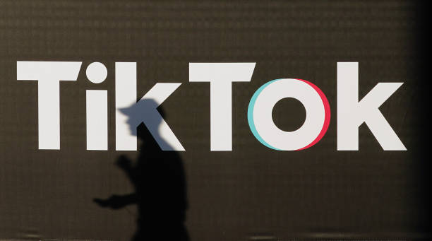 DEU: Trump Approves TikTok Takeover By Oracle And Walmart