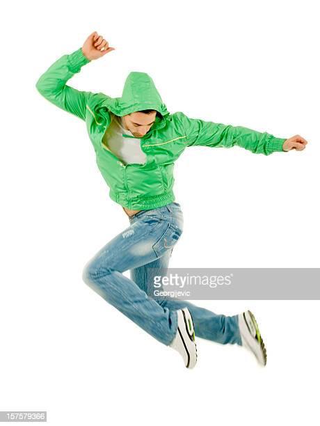 Junger Mann springen