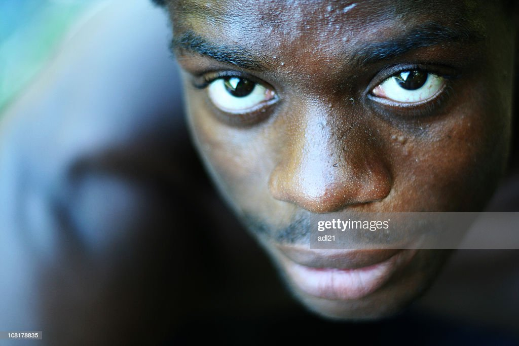 Young Man of African Descent Looking Up, Portrait : Stock Photo