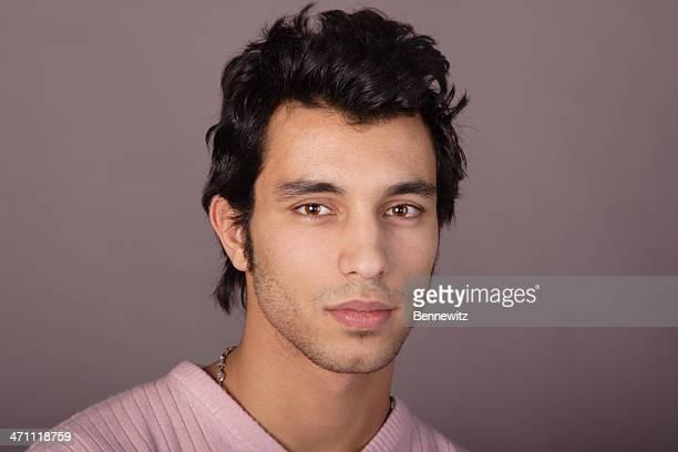jeune homme - homme marocain photos et images de collection