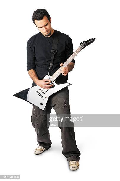 若い男性がギターを弾いている