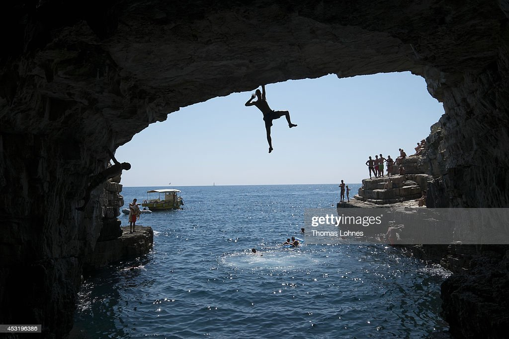 Deep-Water Soloing On Croatian Coast : News Photo