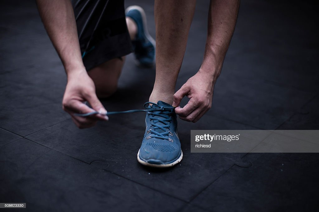 Young man preparing to do exercises : Stock Photo