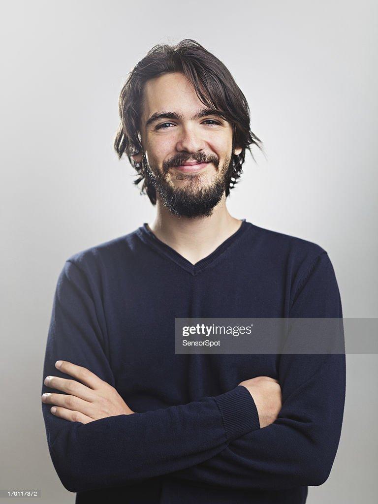 Jeune homme souriant : Photo