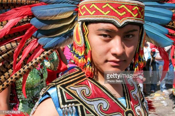 méxico-virgen de guadalupe-nativos - festival de la virgen de guadalupe fotografías e imágenes de stock
