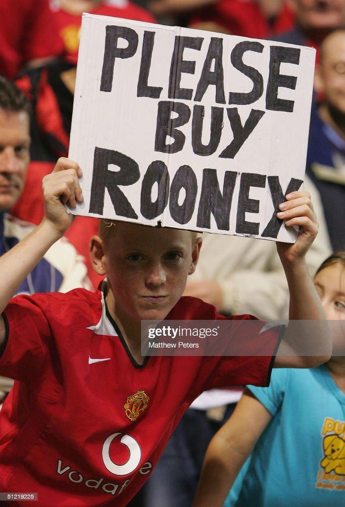 Manchester United v Dinamo Bucharest : News Photo