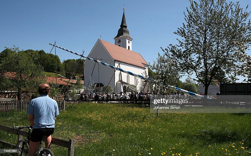 Traditional May Festivities In Bavaria : News Photo