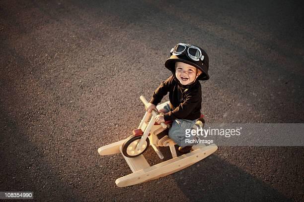 Joven motociclista