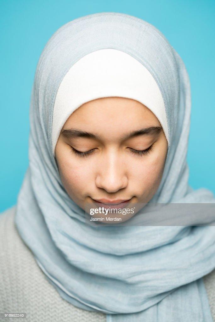 Young Muslim teenager portrait : Stock-Foto