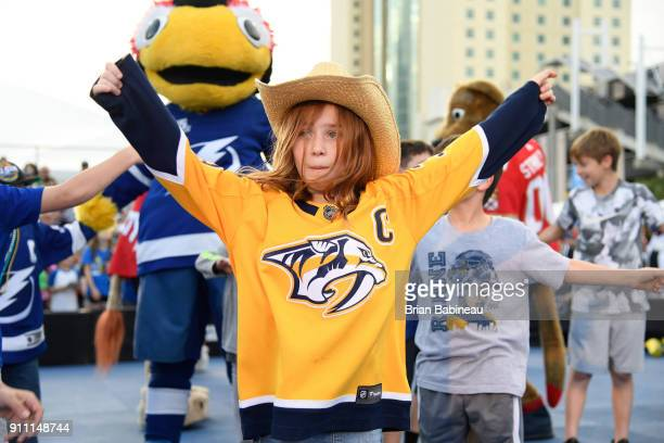 Tampa Bay Lightning Mascot Stock Photos and Pictures ...
