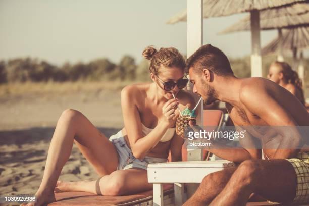 Junge Menschen Flirten