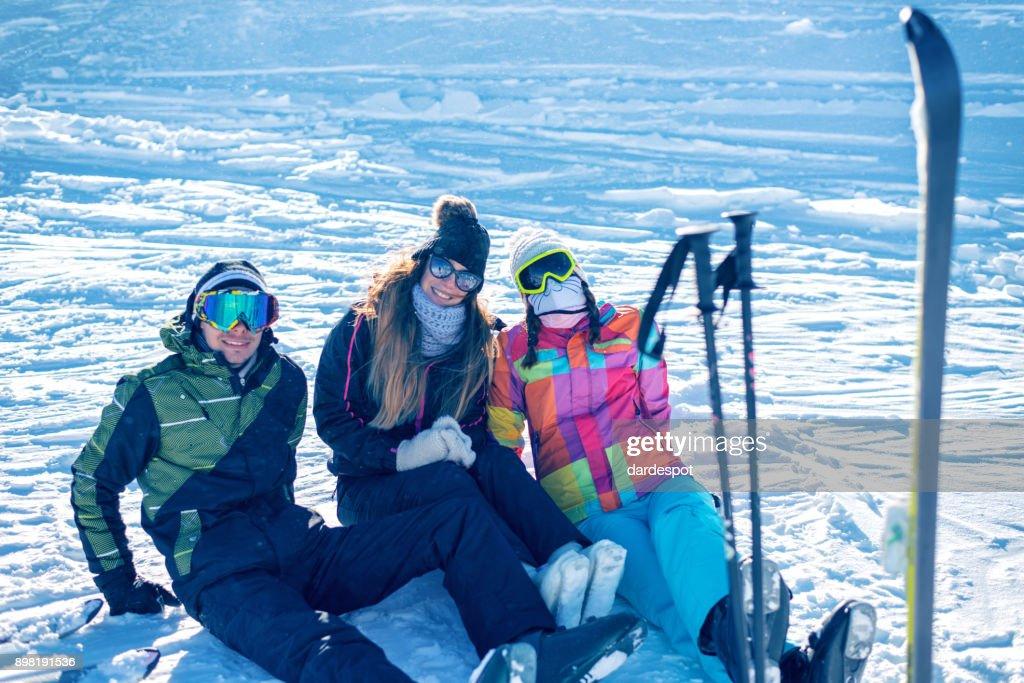 Junge Lustige Aktivitäten Winter Ski Resort Stock Foto Getty Images