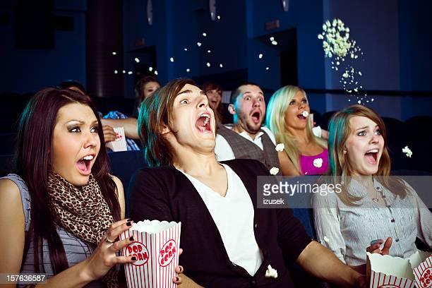 Jovens em cinema