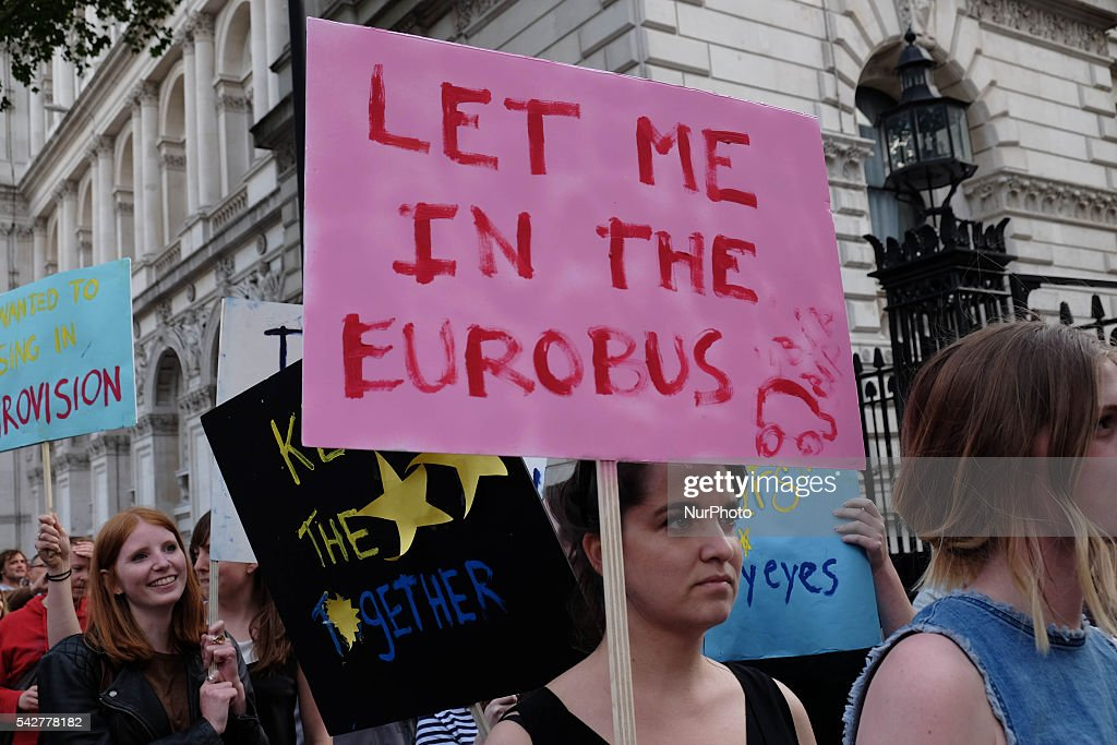 Britain Reacts To The EU Referendum Result : News Photo