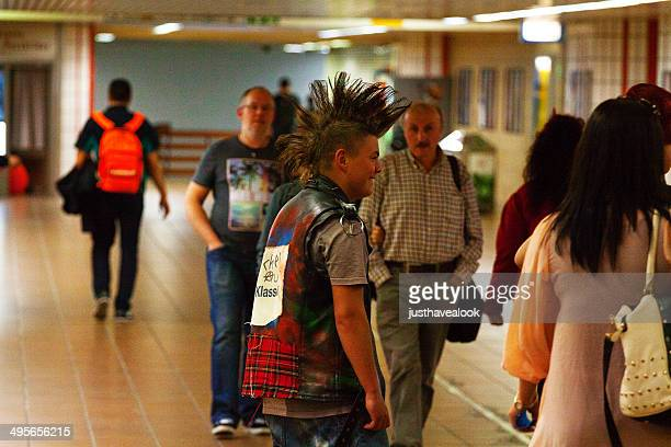 giovani punk - dortmund città foto e immagini stock
