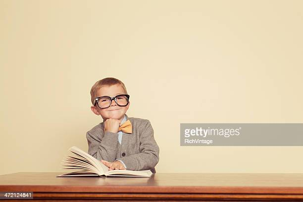 young reader - guidance stock pictures, royalty-free photos & images