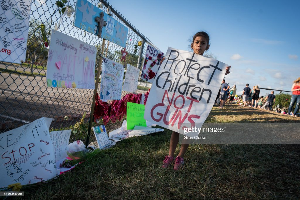 Memorials at Stoneman Douglas High School as Students Return After Shooting : News Photo