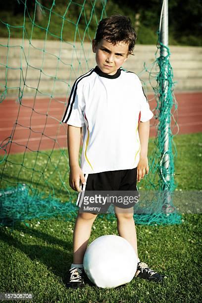 jovem campeão de futebol - só um menino - fotografias e filmes do acervo