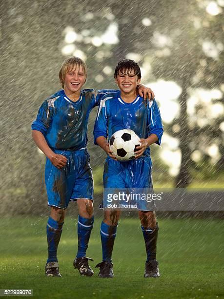 young soccer players - squadra di calcio foto e immagini stock