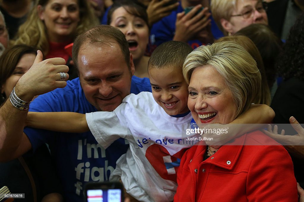 Democratic Presidential Candidate Hillary Clinton Campaigns Throughout Iowa Ahead Of State's Caucus : News Photo