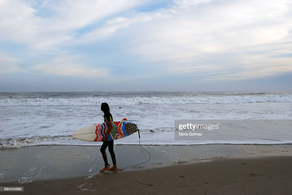 Young surfer : Stock Photo