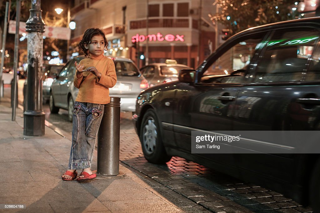 Syrian refugee street children in Lebanon : News Photo