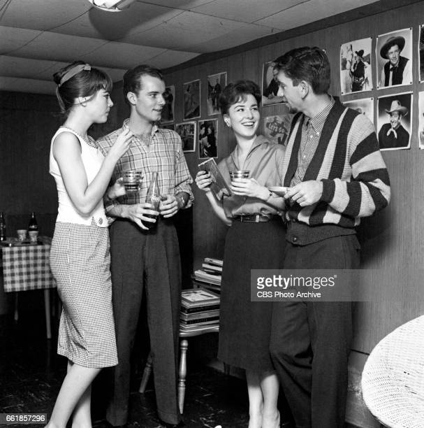 Young television actors on a double date Marlene Willis and Richard Miles on a double date with Gigi Perreau and Bob Denver Bob Denver is a cast...