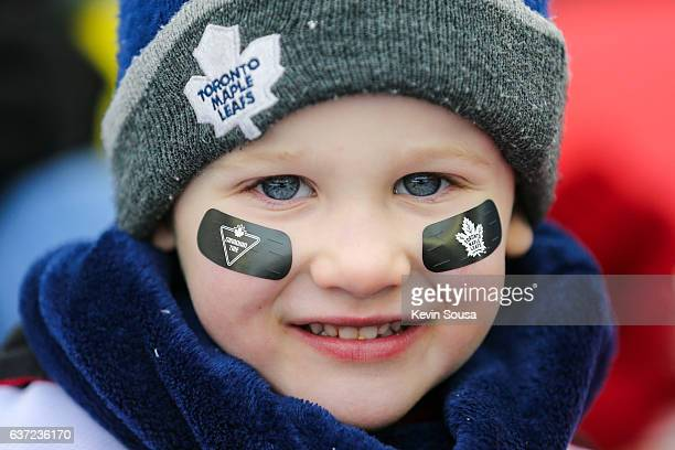 Young Toronto Maple Leafs fan during the 2017 Rogers NHL Centennial Classic alumni game between the Detroit Red Wings and the Toronto Maple Leafs at...