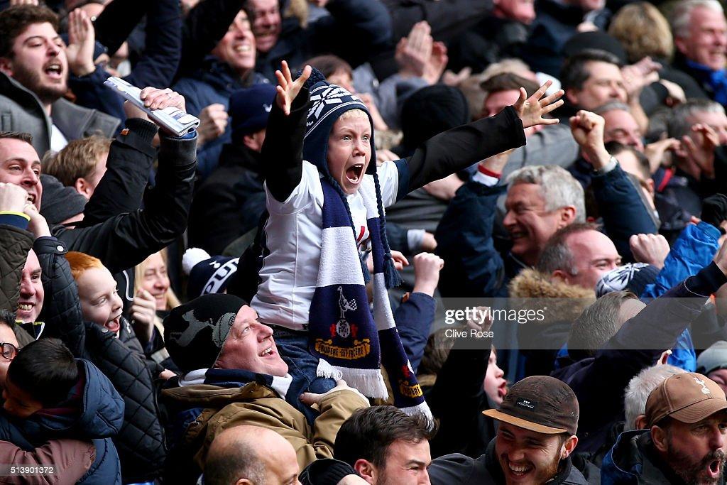 Tottenham Hotspur v Arsenal - Premier League : Fotografia de notícias