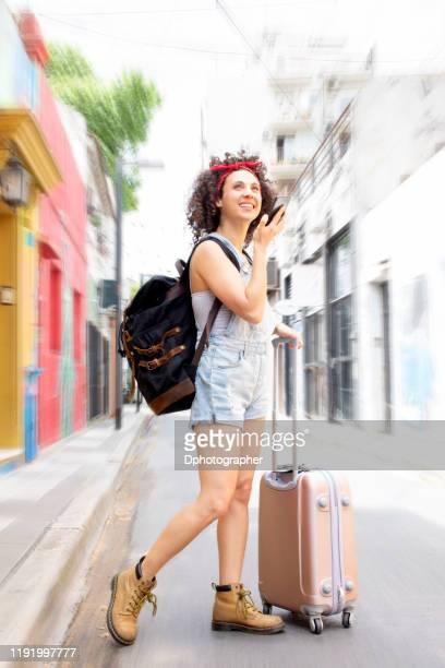 giovani turisti in viaggio - america del sud foto e immagini stock
