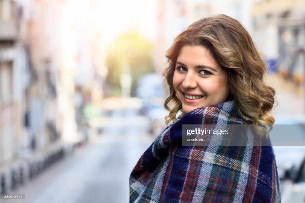 Jovem mulher turca : Foto de stock