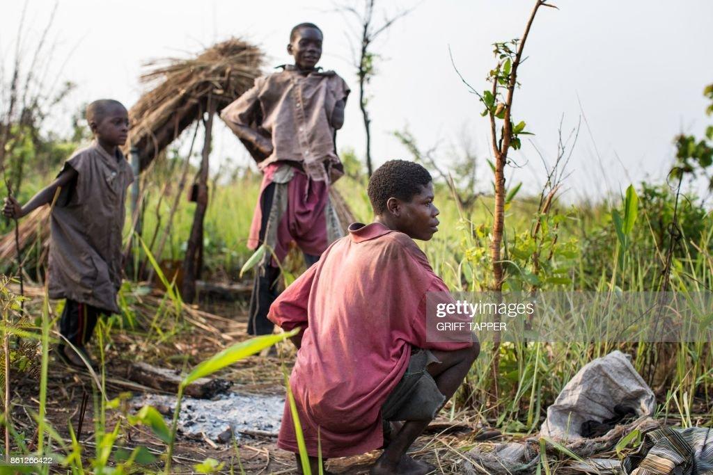 TOPSHOT-DRCONGO-PYGMIES-CONFLICT : News Photo