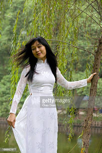 Young Vietnamese woman in traditional attire RELEASED