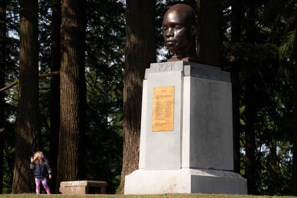 OR: Statue Of Black Explorer Mysteriously Erected In Mt Tabor Park