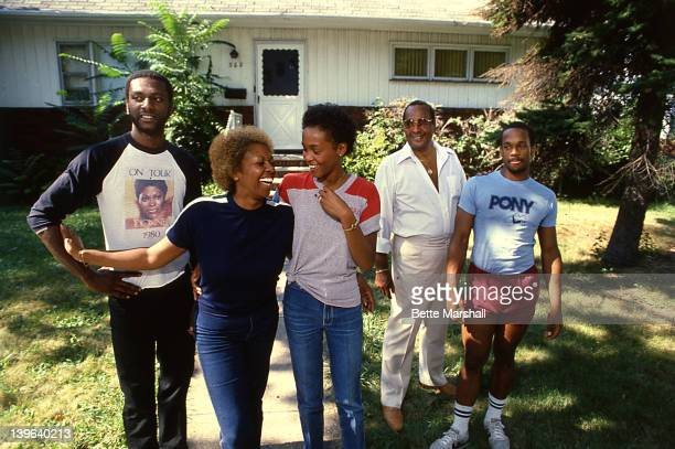 A Young Whitney Houston poses with her mother Cissy Houston father John Houston brother Michael Houston and half brother Gary Garland circa 1979 in...