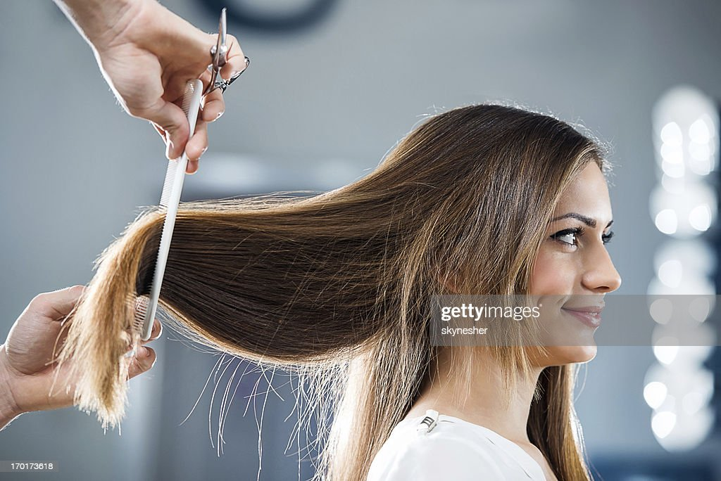 Young woman at the hairdresser's. : Stockfoto