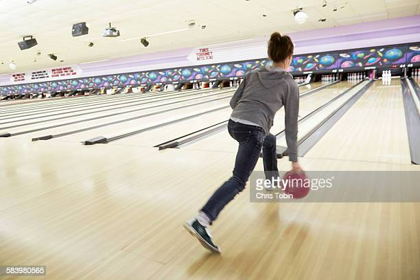 young woman bowling - bowling stock pictures, royalty-free photos & images