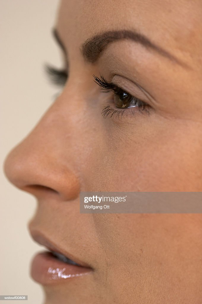 Young woman, close up : Photo