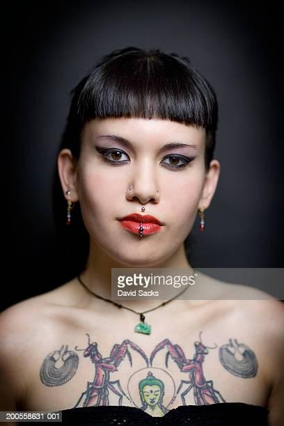Young woman, close-up, portrait
