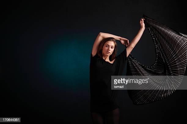 Junge Frau Tanzen