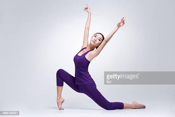 young woman dancing - 中国北東部 ストックフォトと画像