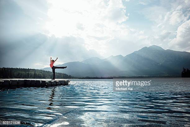 Young woman doing an Arabesque at Pyramid Lake