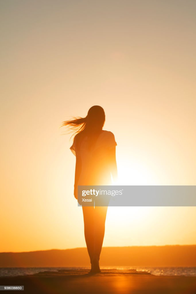 Young woman enjoying freedom : Stock Photo