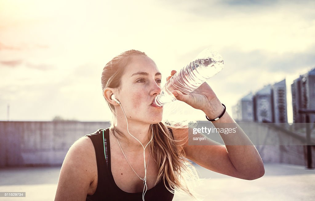Young woman exercising fitness : Stock Photo