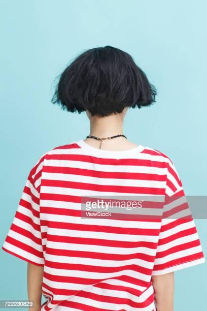 young woman figure - capelli a caschetto foto e immagini stock